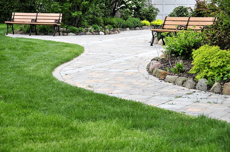 Lawn Maintenance Berkley MI - Triple J's Landscaping - Lawncare2