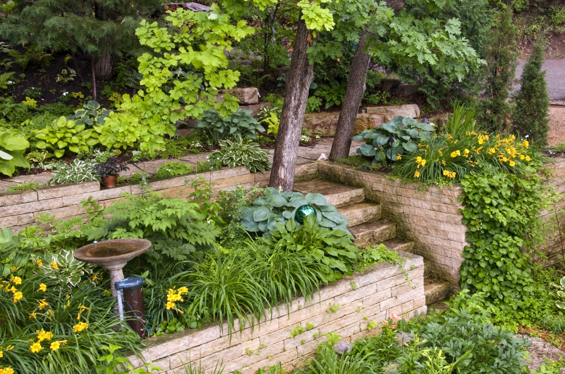 Landscape Installation in Royal Oak - Triple J's Lawn Service - iStock_000014677511_Large